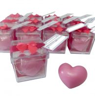 caixinha acrílica com sabonete coração