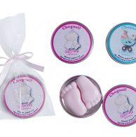 latinha com sabonete pezinho para chá de bebê ou maternidade